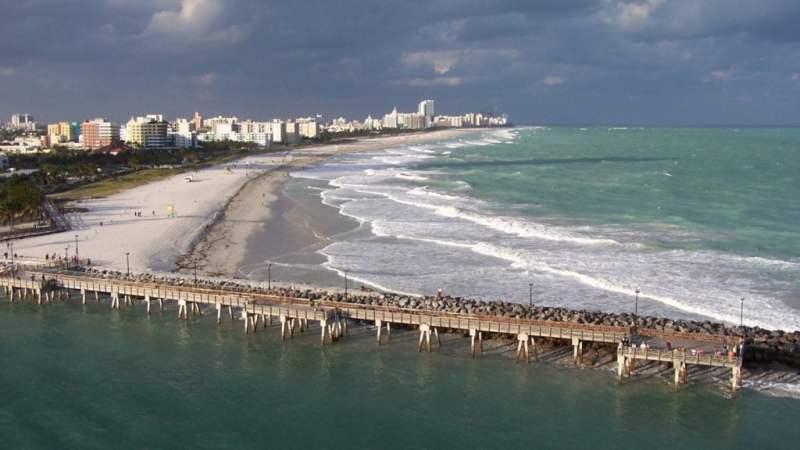 16 millones de dólares es el costo de agregar arena en playas de Miami Beach para frenar la erosión