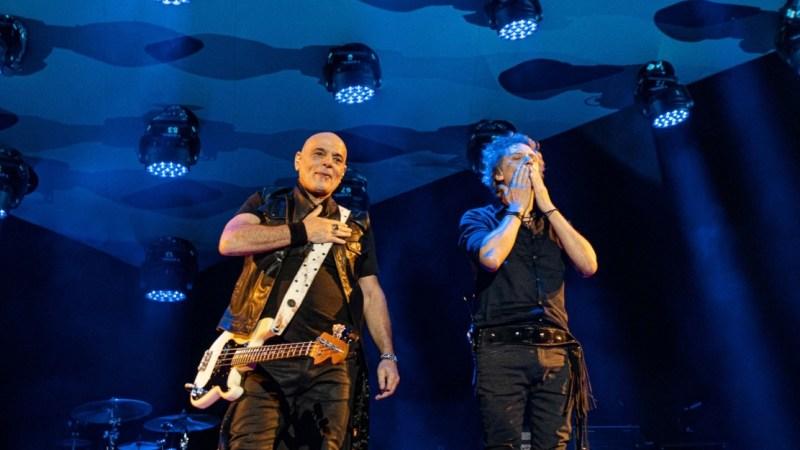 Gracias Totales arrancó su gira en Bogotá ante mas de 30.000 personas