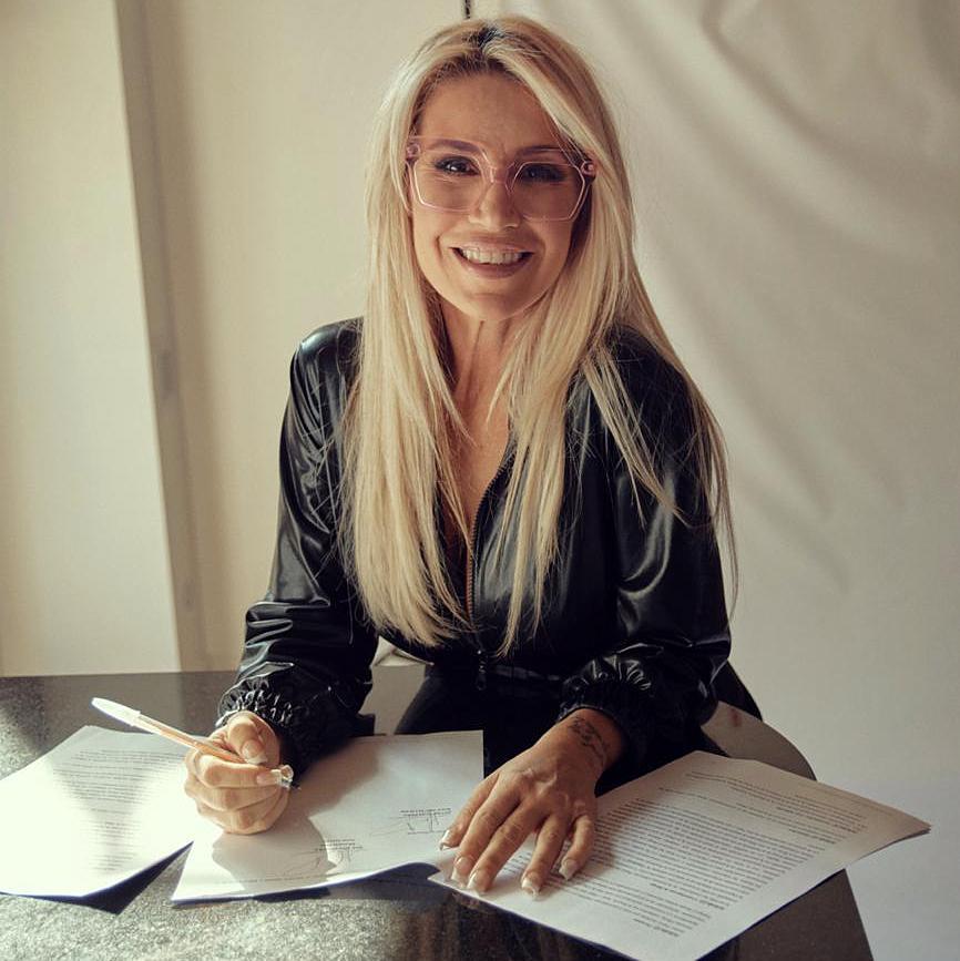 Florencia Peña firmó contrato con Telefe