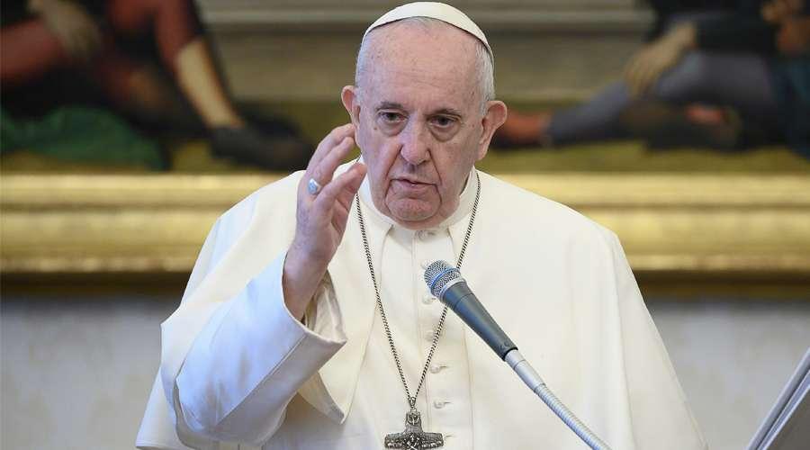 Papa Francisco pide rezar por Líbano tras grave explosión en Beirut