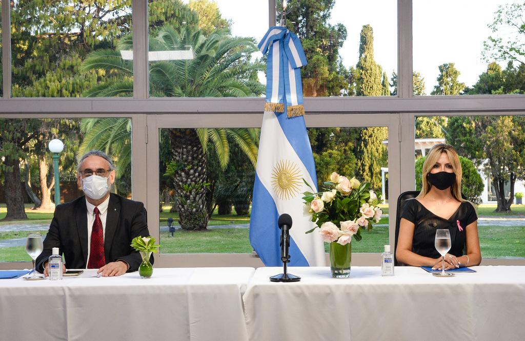 Fabiola Yañez comprometida con el empoderamiento de las mujeres rurales