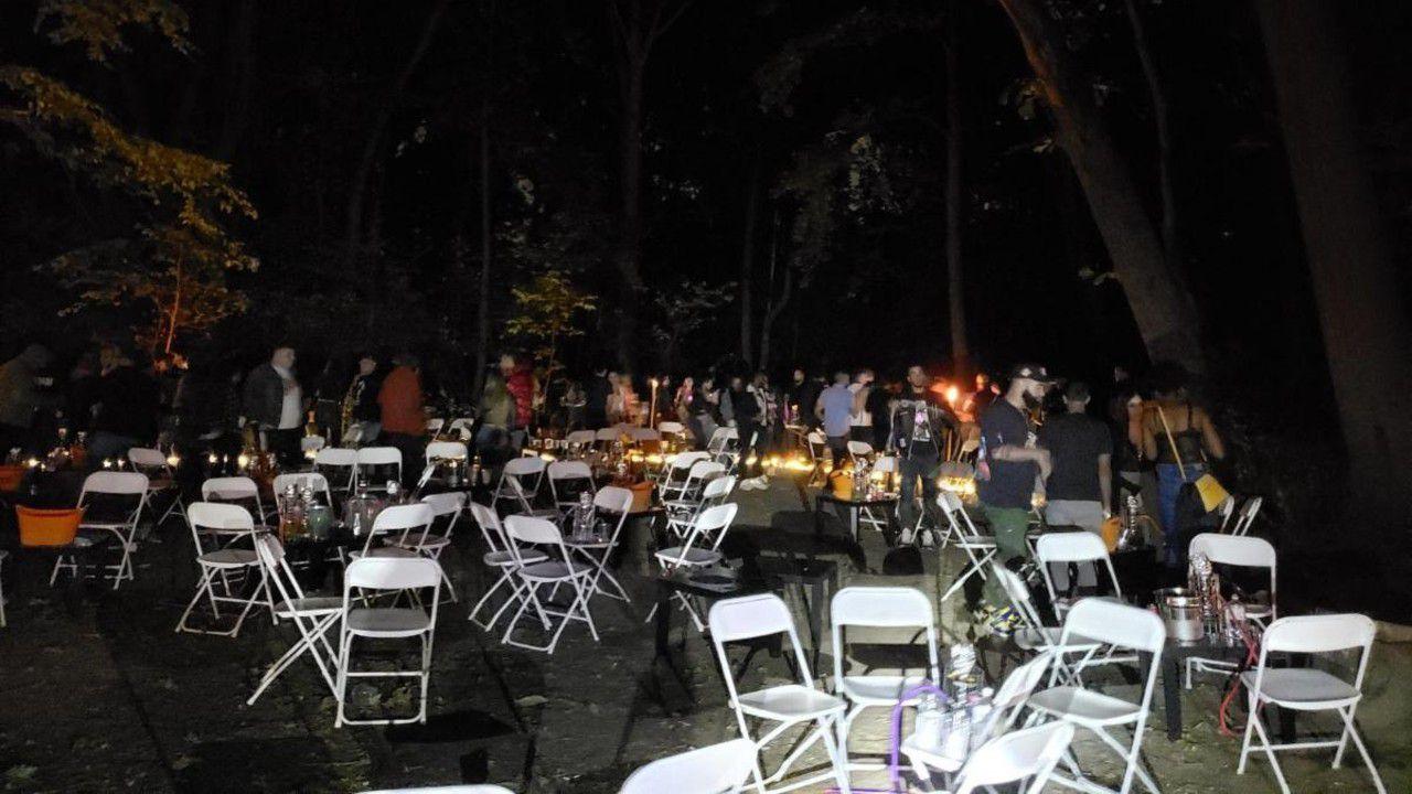 NYPD descubre a 110 personas en una fiesta clandestina en Queens