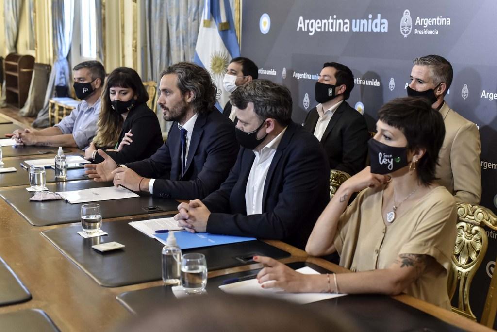 El Gobierno firmó acuerdo con intendentes para implementar puntos digitales en municipios