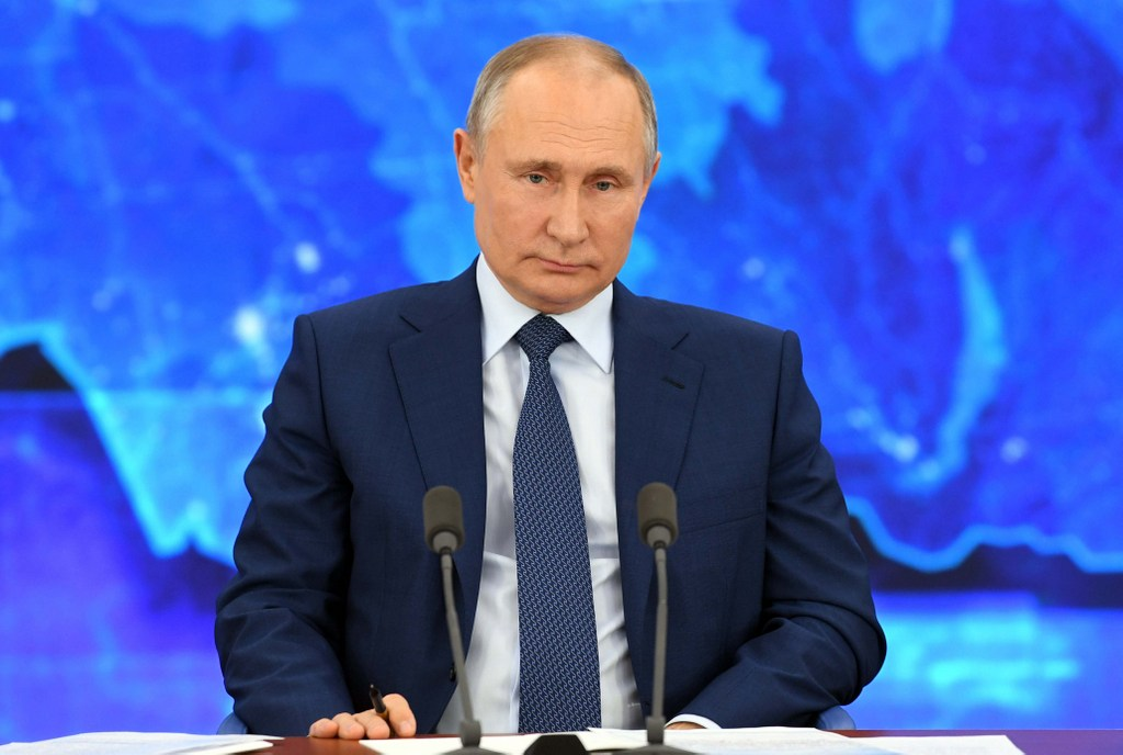Vladimir Putin ordena iniciar la semana próxima la vacunación «de toda la población» rusa con la Sputnik V