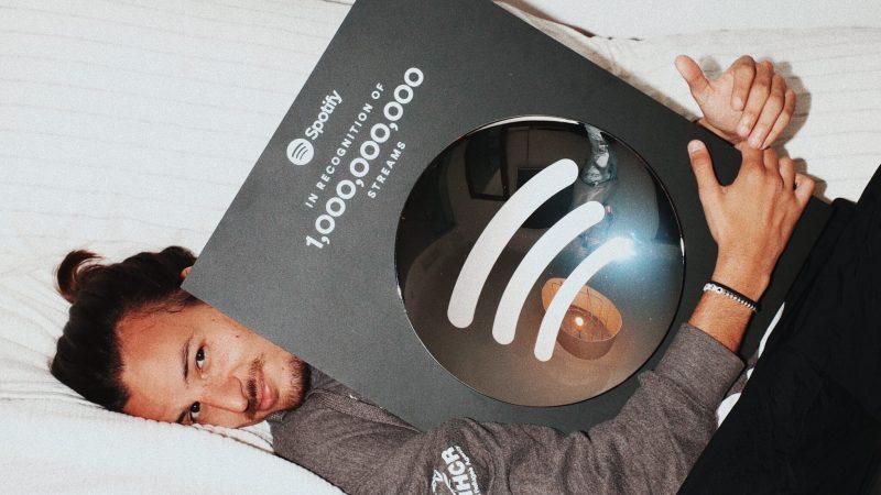 Danny Ocean dedico su logro de haber llegado a 1 billón de streams en Spotify a los refugiados
