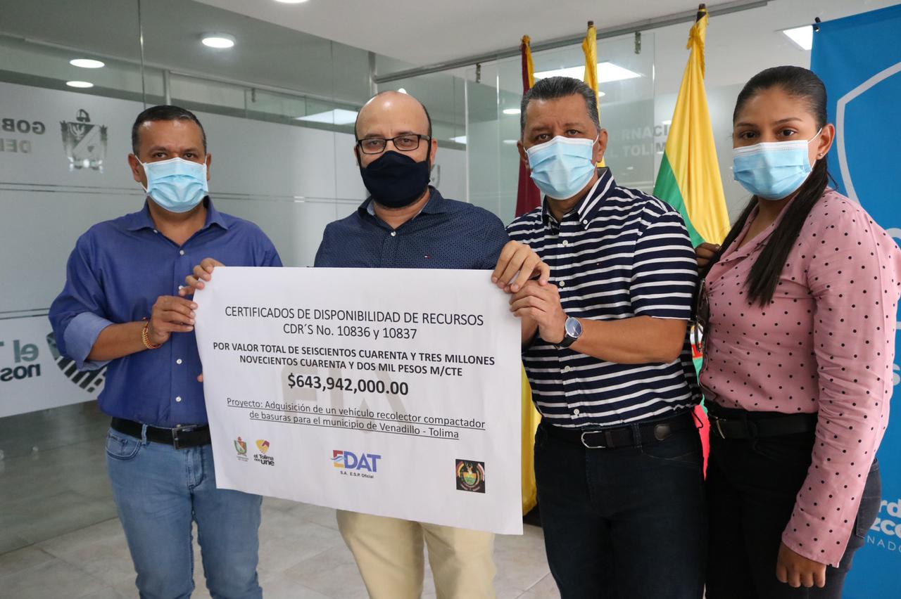 EDAT entregó recursos para vehículo compactador de residuos Sólidos para Venadillo Tolima. 1