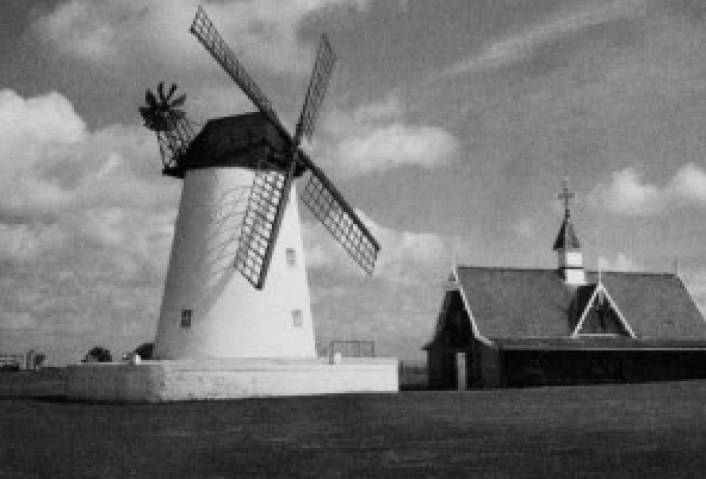 windmillblackandwhitesmall