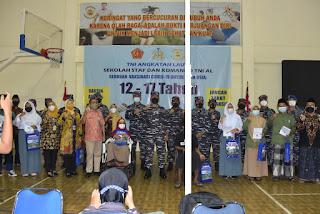 Piagam Penghargaan Kesuksesan Melaksanakan Vaksinasi Pelajar Diterima Langsung TNI Angkatan Laut Seskoal