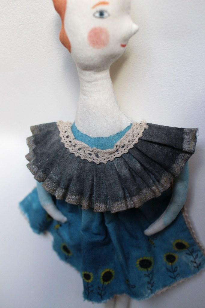 Ella Bee doll detail1