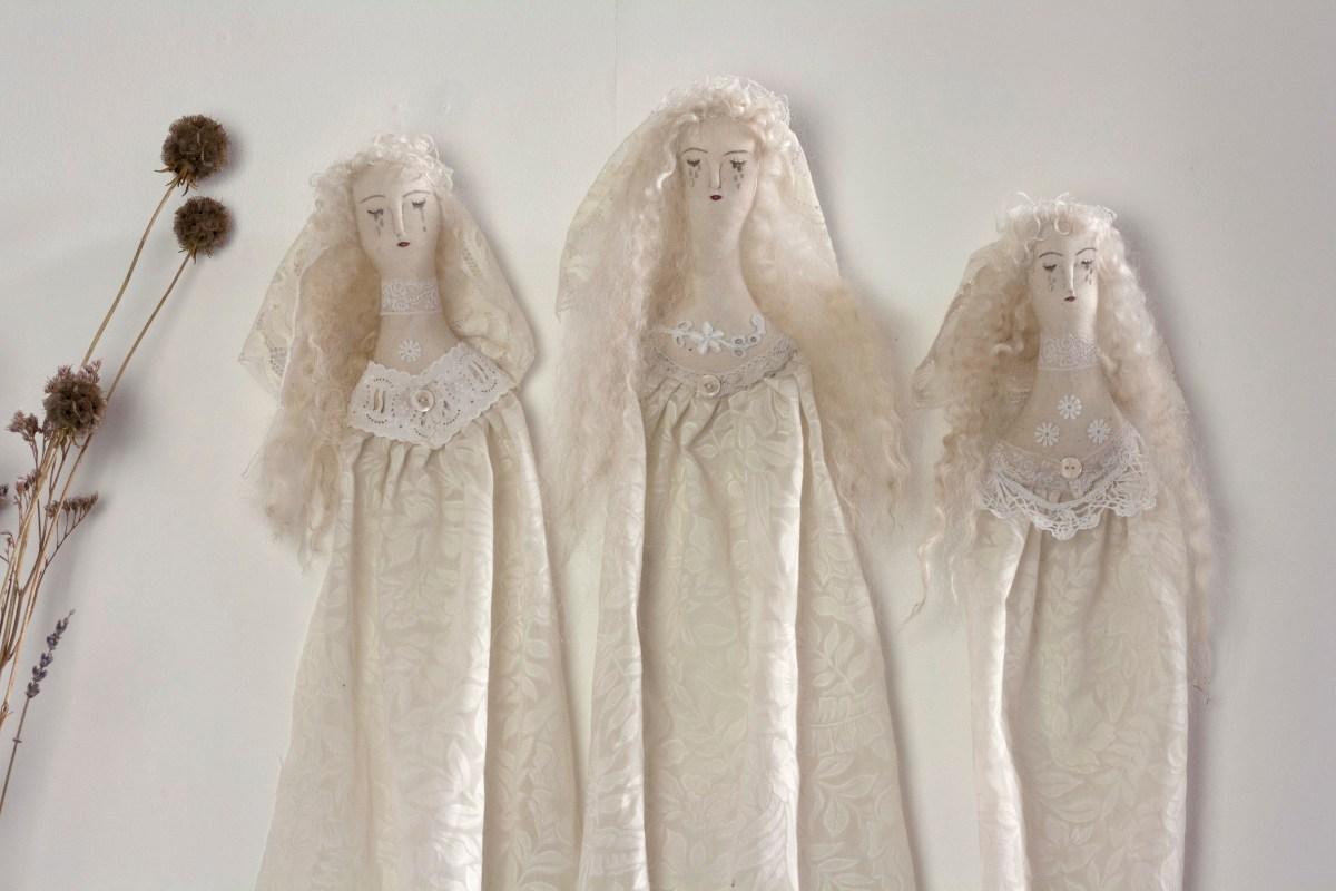 ghostly-ladies-08