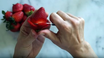 Learn How to Make Beautiful Strawberry Roses.