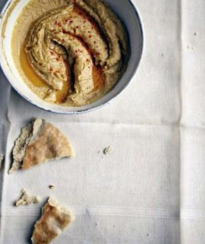 13 College Student Recipes - Hummus