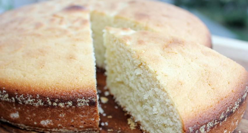 Mannik Cake with Kefir