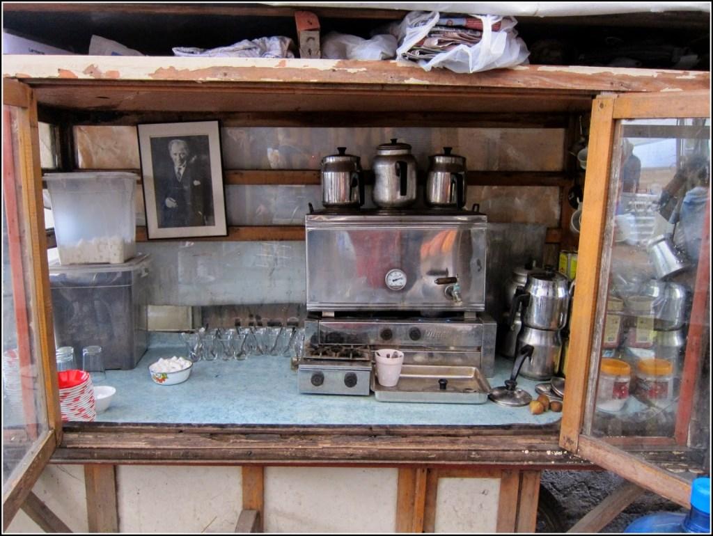 Kastamonu market tea vendor