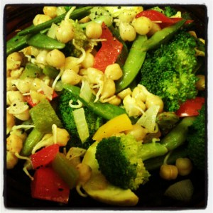 Steamed garbanzo sprouts with veggies