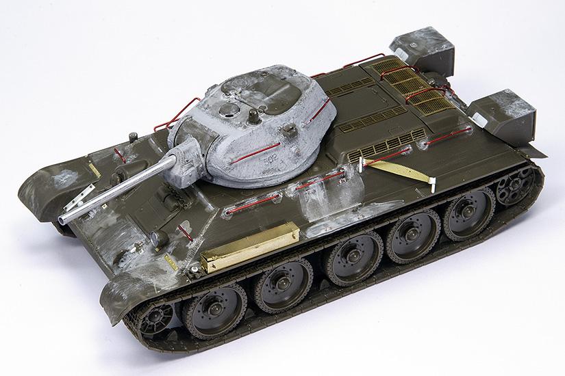 T-34/76 Factory Nº112, 1942 Model, Tamiya 1/48, listo para pintar.
