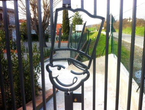 Dettaglio logo cancello realizzato per Ghiottineria, vendita diretta Ghiott - Sambuca Val di Pesa