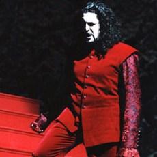 Paolo Ruggiero - LUCREZIA BORGIA - Don Alfonso - Stadttheater Wiesbaden (Germania). Direttore Gabriele Bellini.