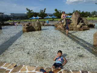 ジャブジャブ池での写真3