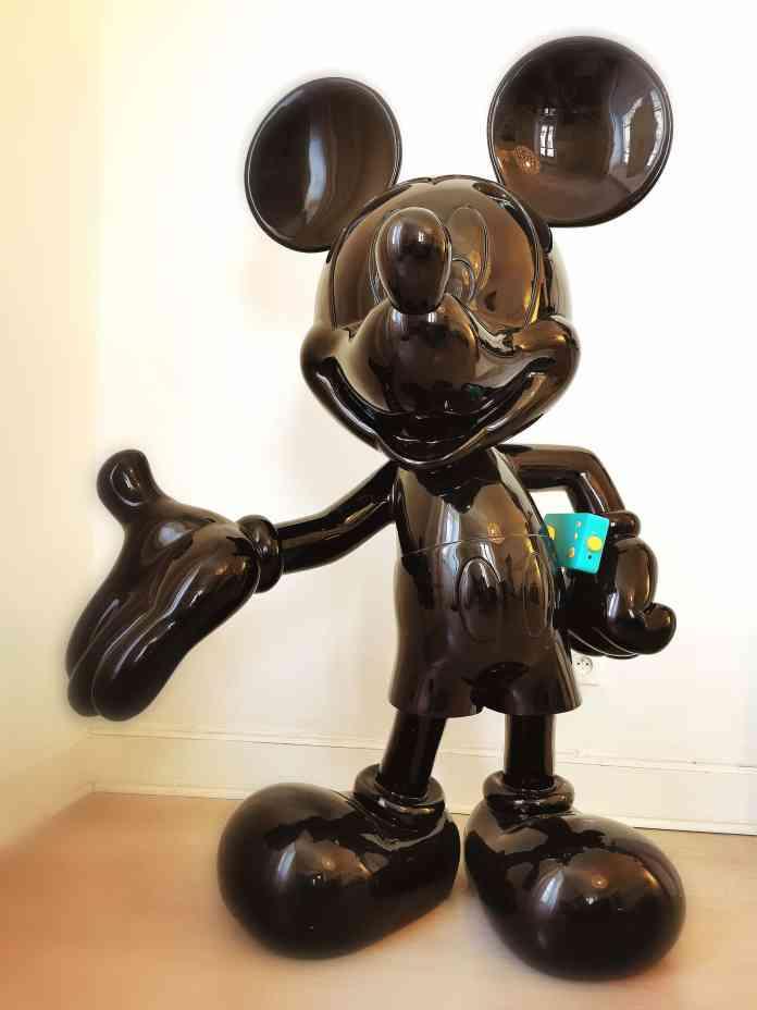 Mickey Mouse et le Lunii dans le Bureau du Psychologue Papa Psy Cedric Daudon