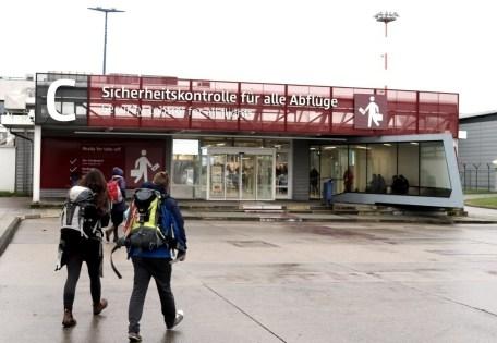 Eingang zur Sicherheitskontrolle in Schönefeld