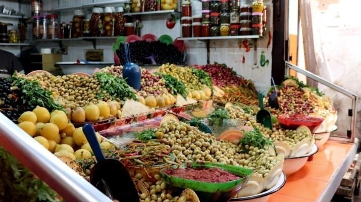 Oliven in allen möglichen Sorten in Fes el-Bali