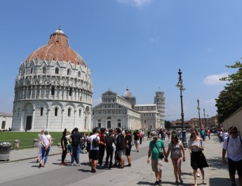 Domplatz von Pisa treffen