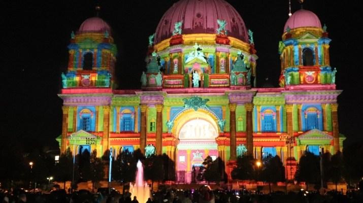 Der Lichtkünstler Harald Tragweindl setzt den Berliner Dom ins rechte Licht