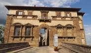 Der Palazzo Campana markiert die Altstadt von Colle di Val d´Elsa