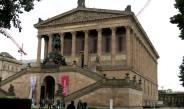 Das Alte Museum auf der Museumsinsel sieht aus wie ein antiker Tempel