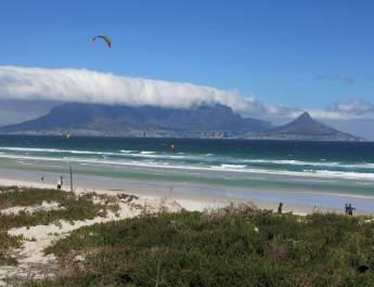 Bloubergstrand in Kapstadt mit Blick auf den Tafelberg