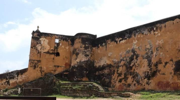 Die mächtigen Mauern von Fort Jesus in Mombasa