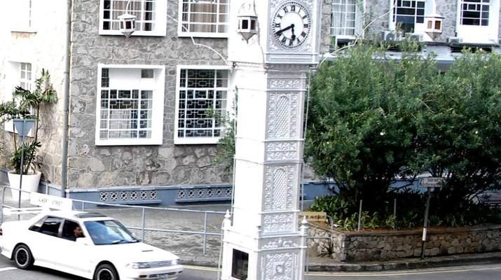 Der Uhrenturm Little Ben in Victoria, der Hauptstadt der Seychellen