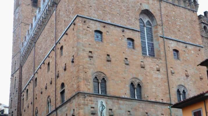 Im Bargello stehen weltberühmte Skulpturen von Michelangelo, Donatello und Cellini.