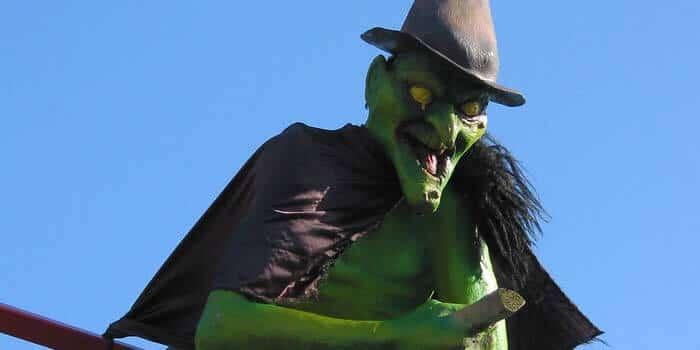 Eine hässliche Hexe am Vatertag