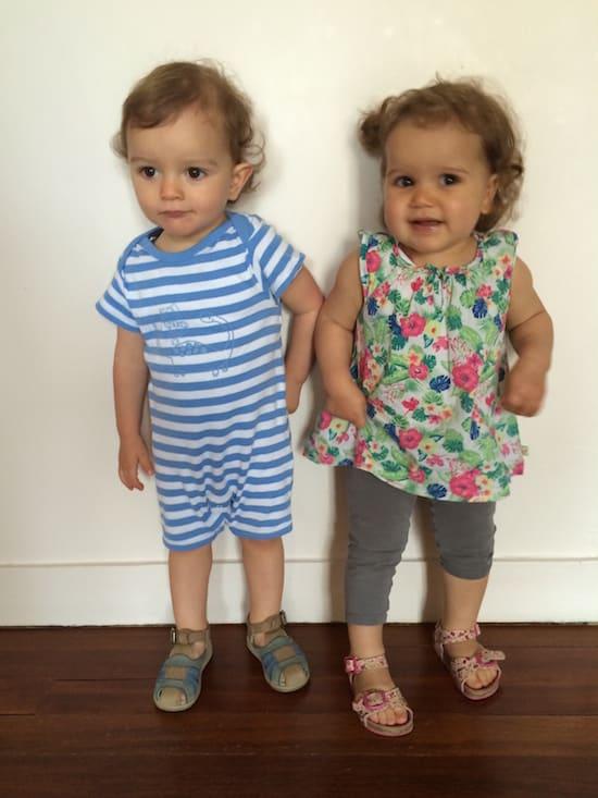 tenue vêtements pour bébés