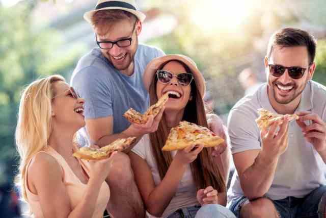 Organiser une soirée pizza entre amis