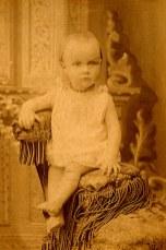 1889 - Anne-Marie DUPONT (211), bébé