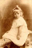 Renée BATAILLE (521) à 3 ans et demi