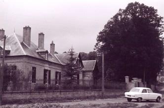 Canchy, maison construite par Charles LANDRIEU (5), vue de la route