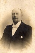 # 1900 - Anatole LANDRIEU (43), dit Oncle Jules