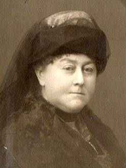 Madeleine LANDRIEU (52)
