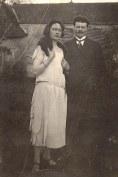 Noémie Poyer et Michel Landrieu (1.7.1) lors de leurs fiançailles 1924/25
