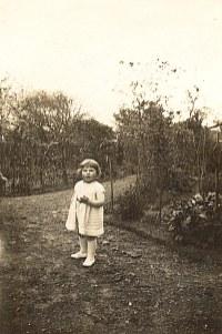 """1932 - Nicole LANDRIEU (1721) à """"Mezoutre"""""""