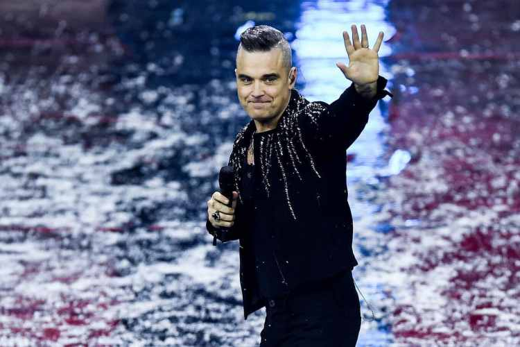 Robbie Williams: the singer reveals since when he no longer drinks and drugs