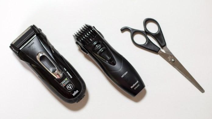 子供用の髪切り道具(シェーバー、ひげトリマー、ハサミ)