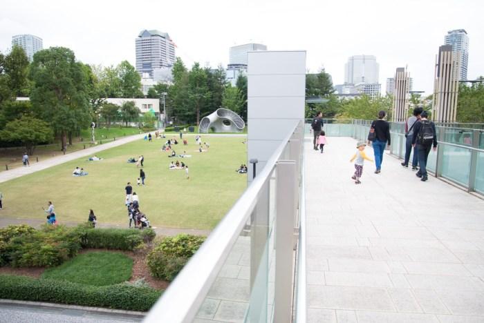 東京ミッドタウンから港区立檜町公園を眺める