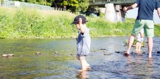 渋谷から15分、子供が川遊びできる! 二子玉川駅から多摩川へ