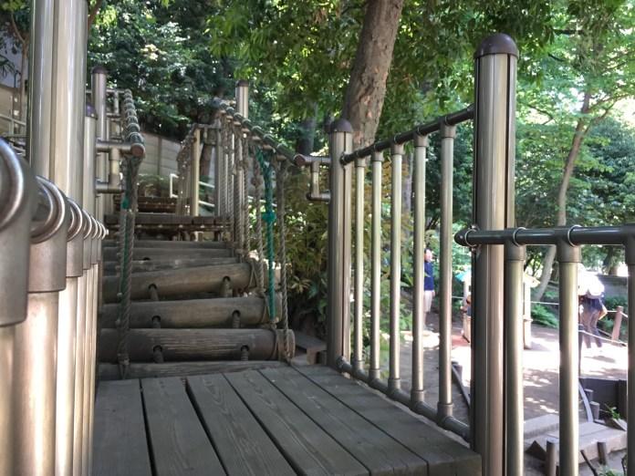 中根公園 揺れる橋