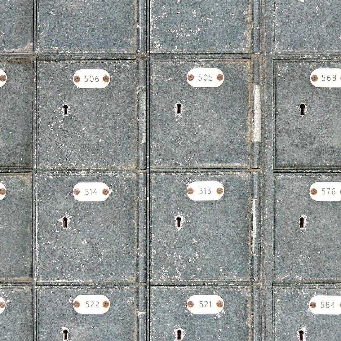 Mind the Gap Locker Room WP20106